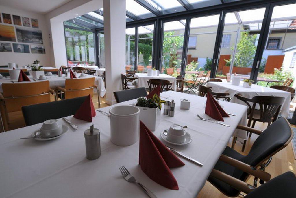 Frühstücksraum Wintergarten